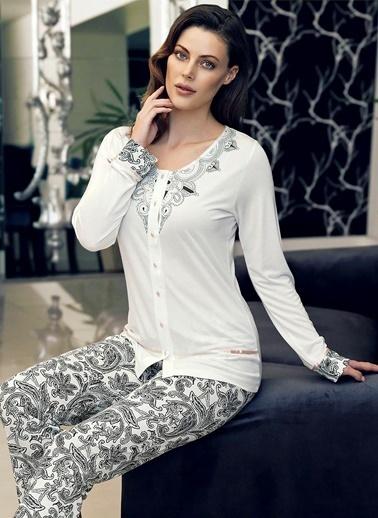 Şahinler Pijama Takım Beyaz